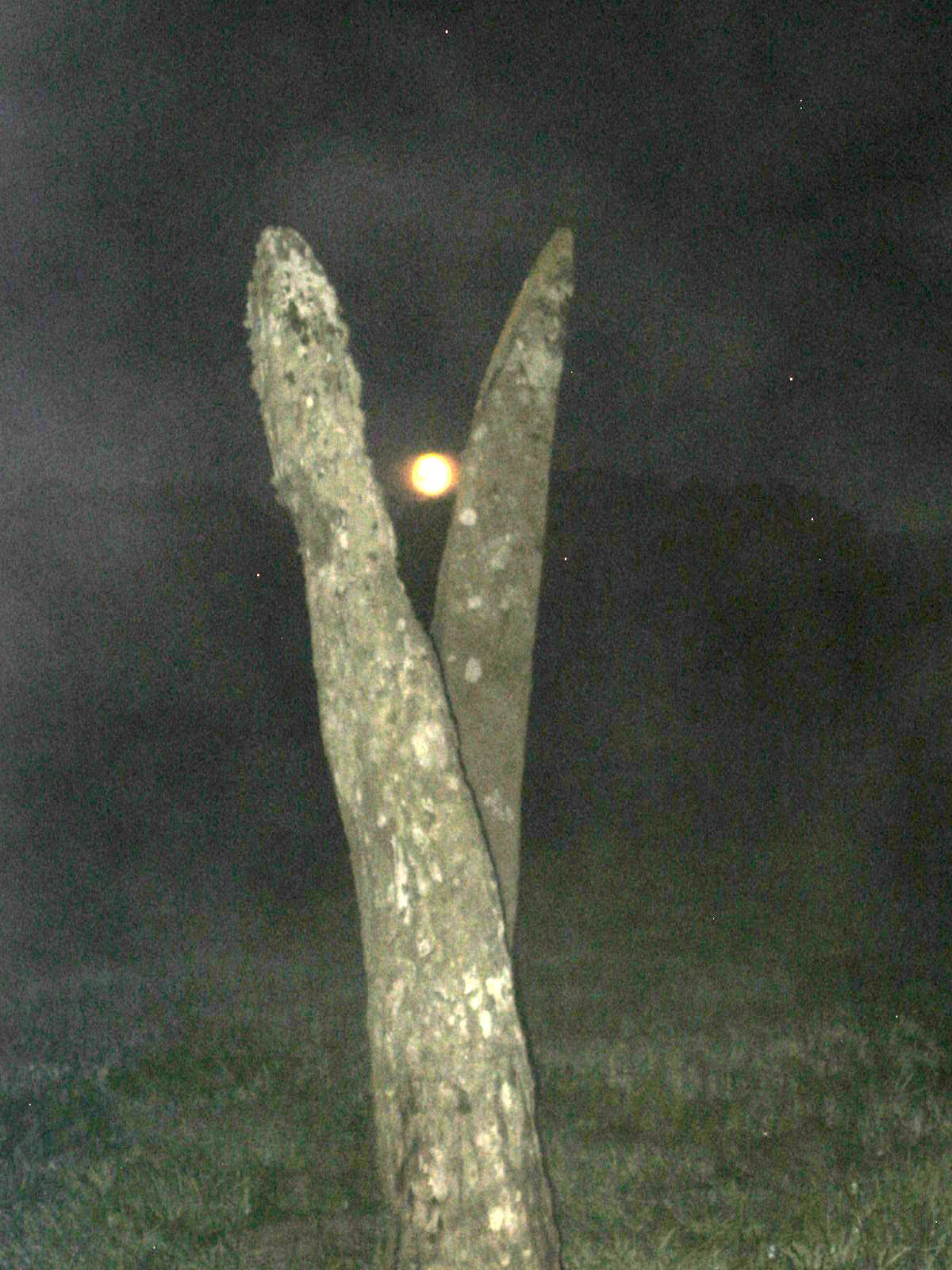 Interstone moon rise